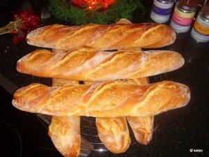 Baguette mit Sauerteig und Hefevorteig