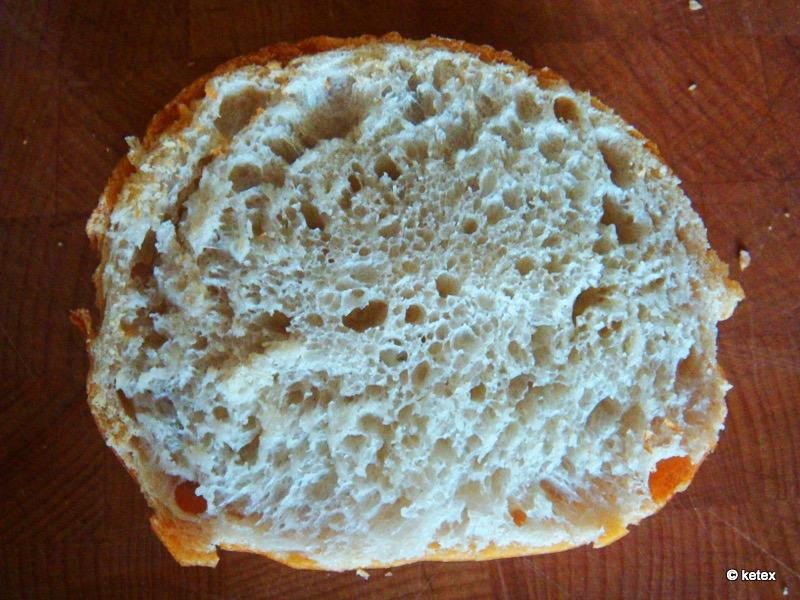 Brötchen mit Weizenmehl 812 Anschnitt