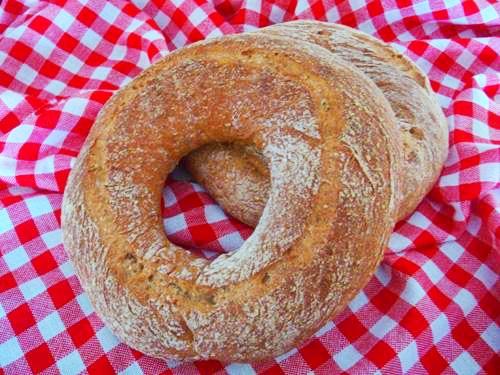 Hartweizen-Sesam-Ringbrot
