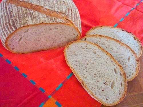 Weizenmischbrot mit Sauerteig und Vorteig