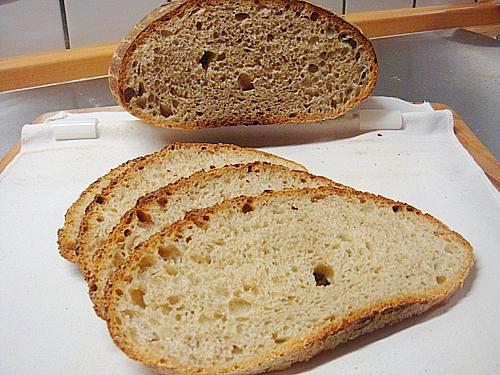 Brot mit 2 Sauerteigen