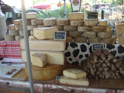 Käse von der Kuh und viel von der Ziege (Picodon)