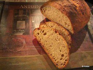 Schweizer Brot aus Ruchmehl (1. Versuch)