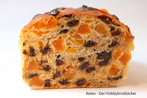 Schokoladen-Aprikosen-Brot Anschnitt