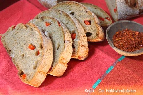 Chilli-Paprika-Ring Brot Anschnitt