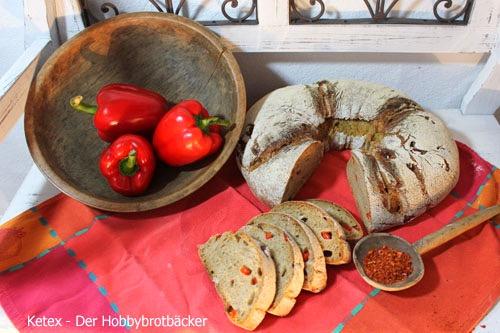 Chilli-Paprika-Ring Brot