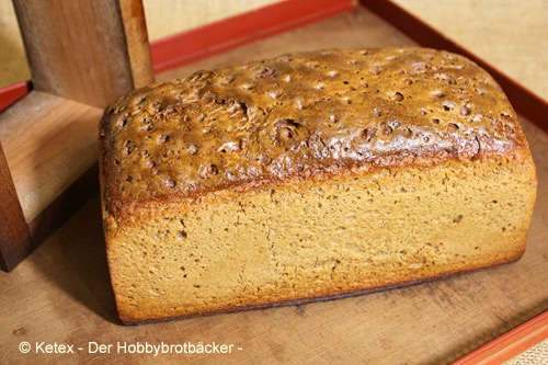 Paderborner Brot im Ahorn-Backrahmen