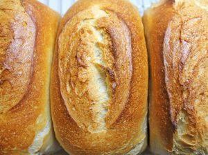 Weißbrot mit getrocknetem Weizensauerteig als zusätzlichen Aromageber