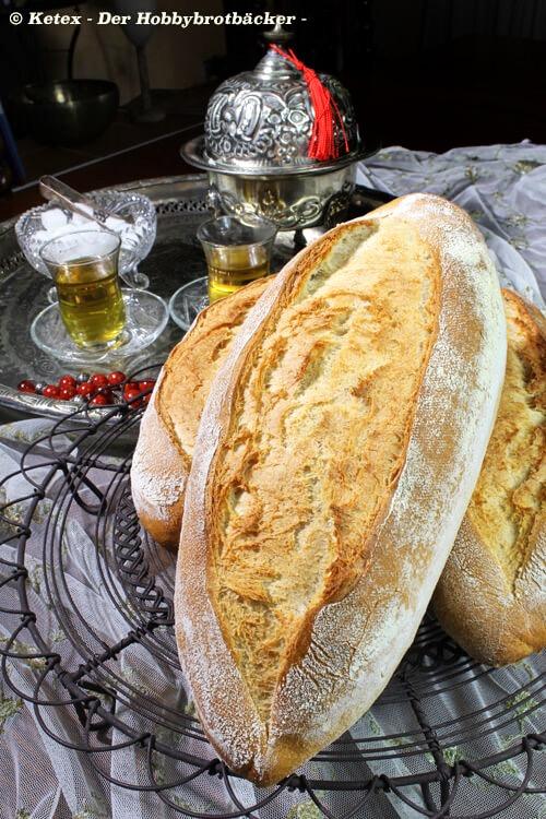 beyaz ekmek = türkisches Weißbrot